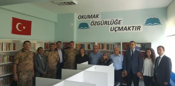 Şehit Canip Demircan Ortaokuluna Kütüphane Kazandırıldı
