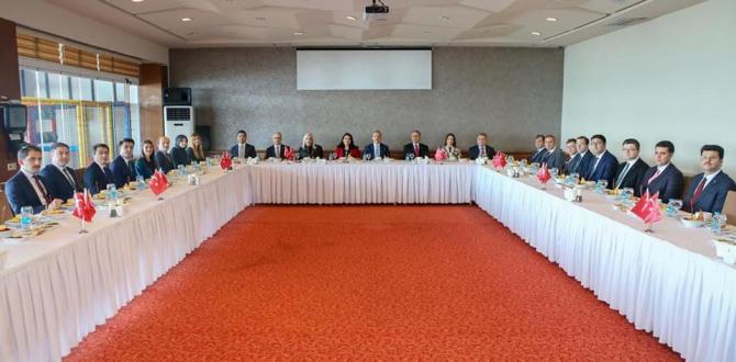 Vali Yavuz, İdareciler Günü'nü Kutladı